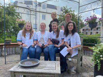 Studenten Verpleegkunde presenteren in opdracht van De Rijnhoven onderzoeksresultaten zorgtechnologie